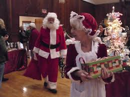 mr and mrs clause_holiday marketplace_glen arbor
