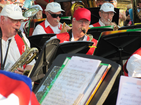 northport community band playing music
