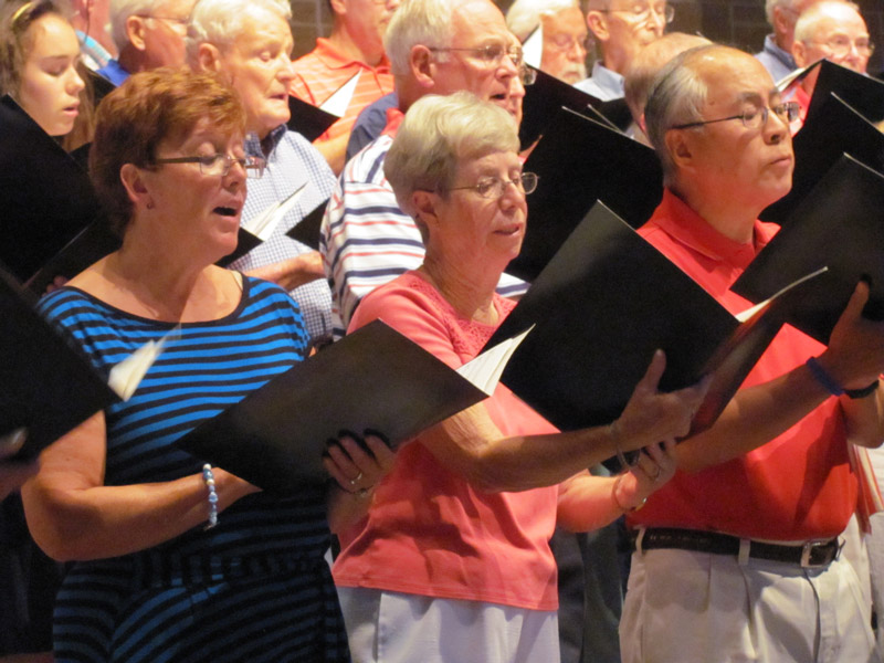 people of Summer Singers performing