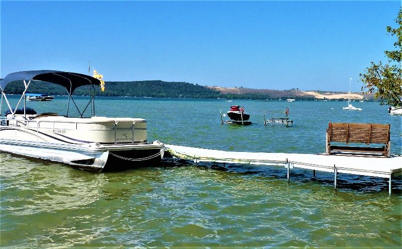 pontoon docked at Birch Shores Resort