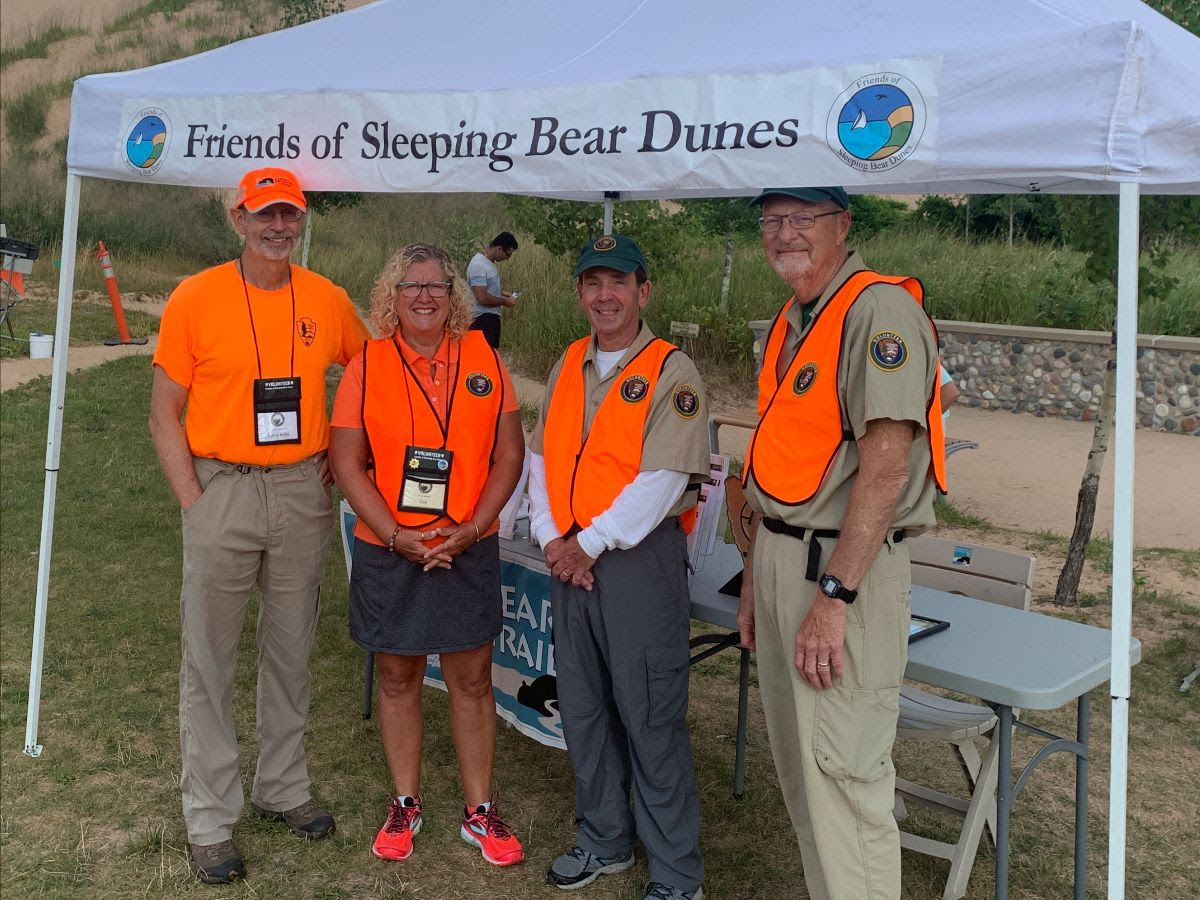 group of volunteers for Friends of Sleeping Bear Dunes
