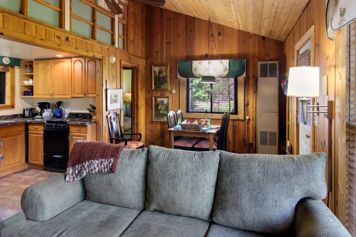 Dean's Cottage at Glen Arbor B&B