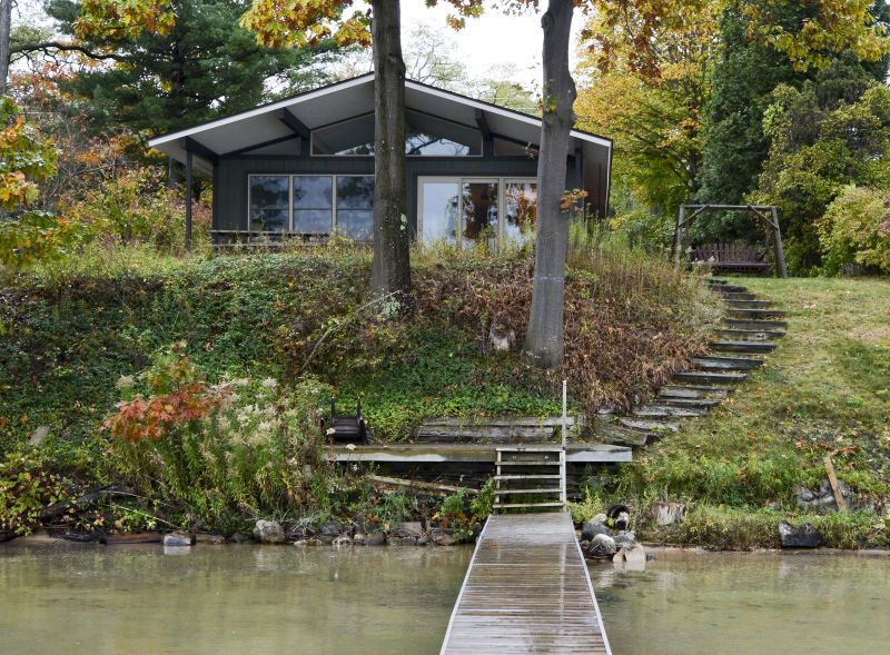Glen Arbor Cottages view of house from dock