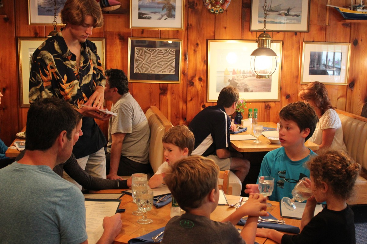people dining at Good Harbor Grill