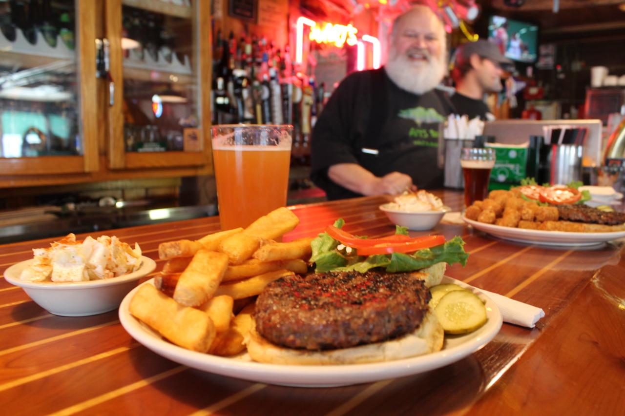 art's tavern tim barr and burger