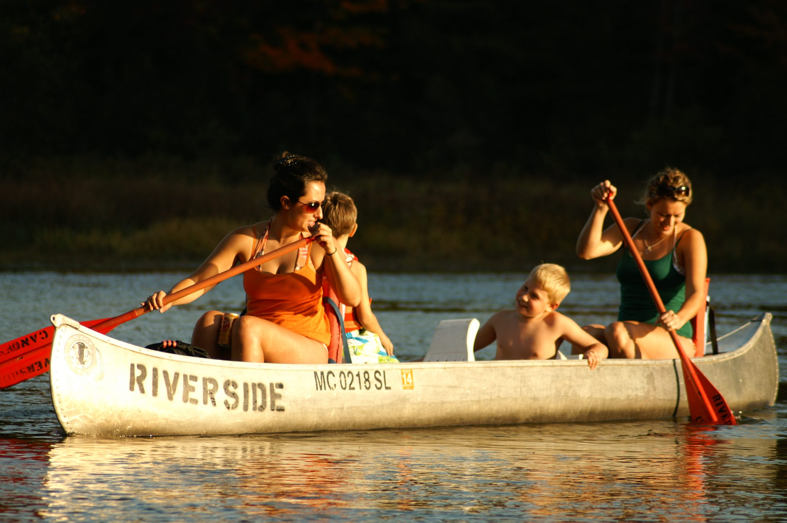 happy people canoeing