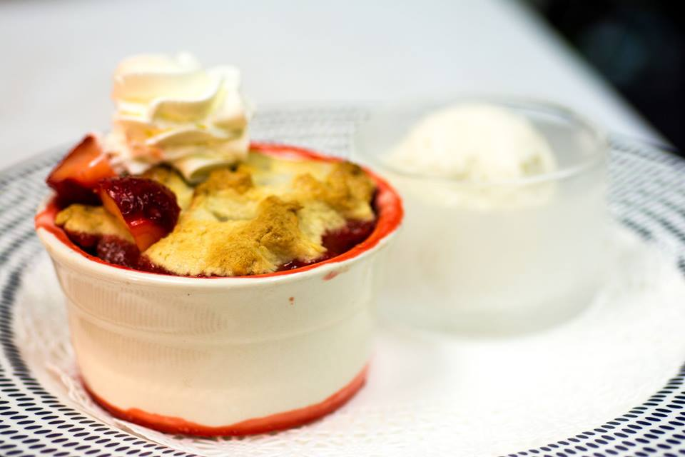 Blu Fine Dining dessert: strawberry cobbler a la mode close up