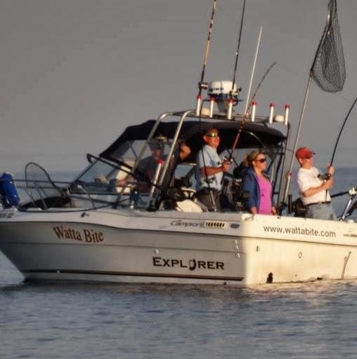 people fishing on Watta Bite charter boat