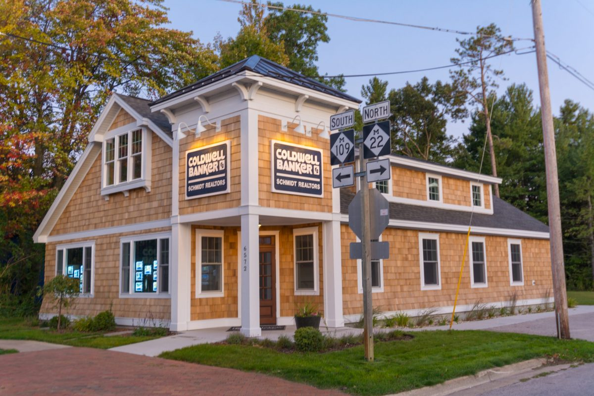 coldwell banker schmidt realtors_new glen arbor office on corner of M22 and Manitou Boulevard