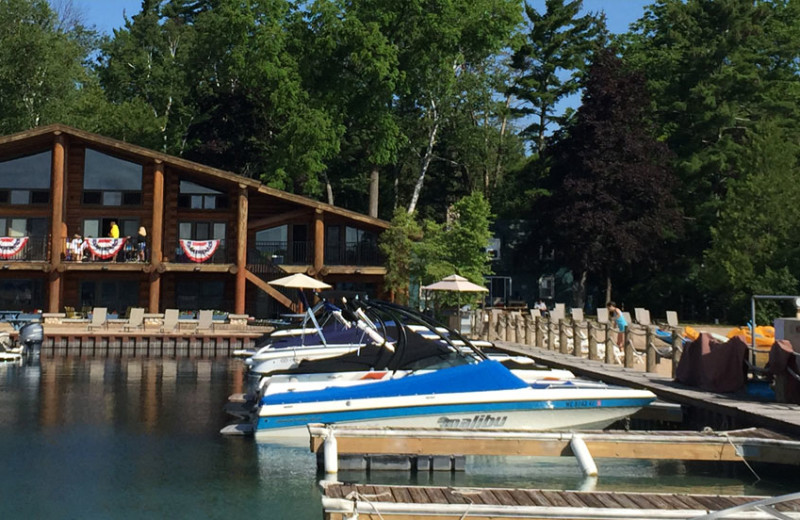 photo of lodge and boat slips at Glen Craft on Glen Lake