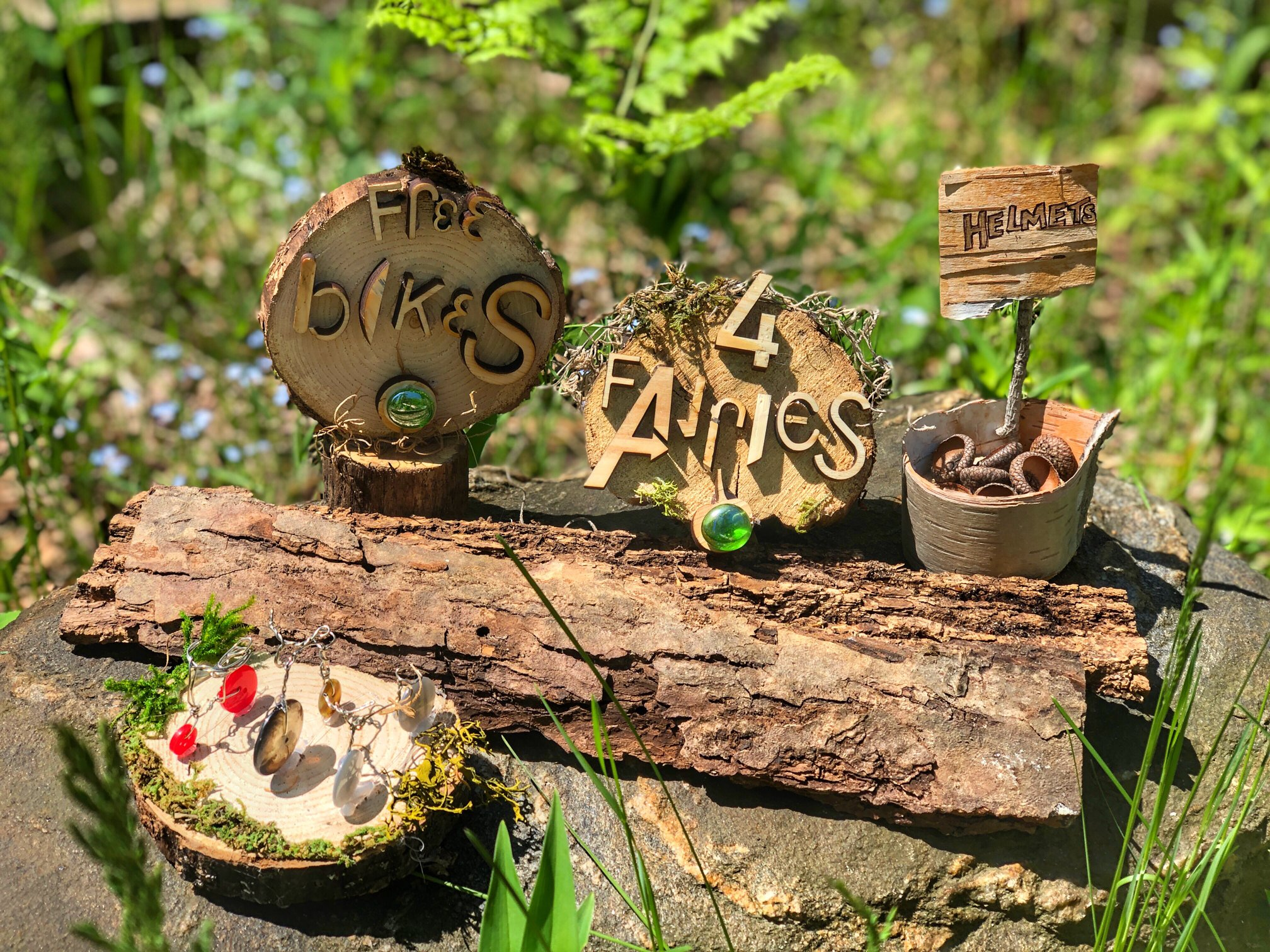 build fairy houses: pop up free art things to do